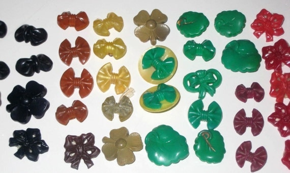 80  Bright Colorful Vintage Flower and Bow Shaped Buttons