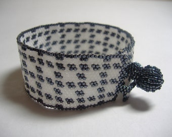 """Beadwoven Bracelet in Hematite and White - """"Coco in White"""""""