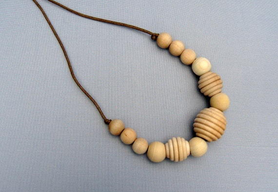 Simple Elegance All Wooden Adjustable Nursing Necklace