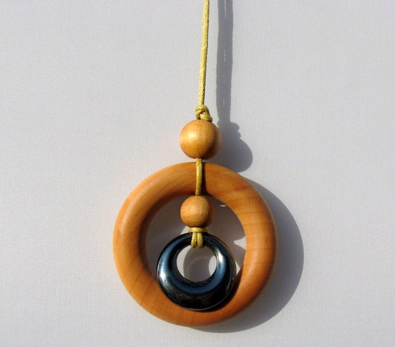 Nursing Necklace Teething Ring Necklace with 30 mm Hematite Pendant
