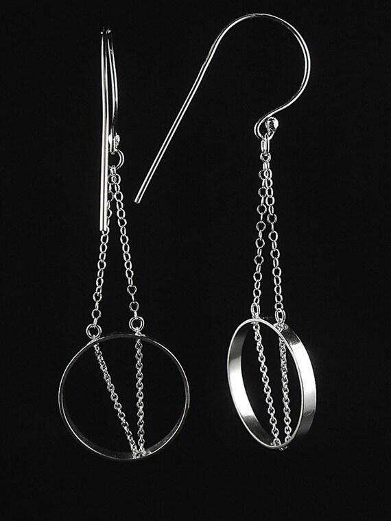 Modern Jewelry - V Chain Circle Sterling Earrings