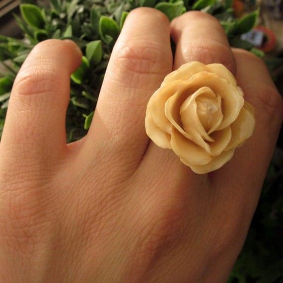 Real flower ring -  Ivory rose bloom