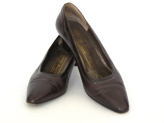 SALE  chocolate leather heels by BRUNO MAGLI