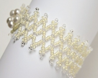 Beaded Ivory Pearl Bracelet