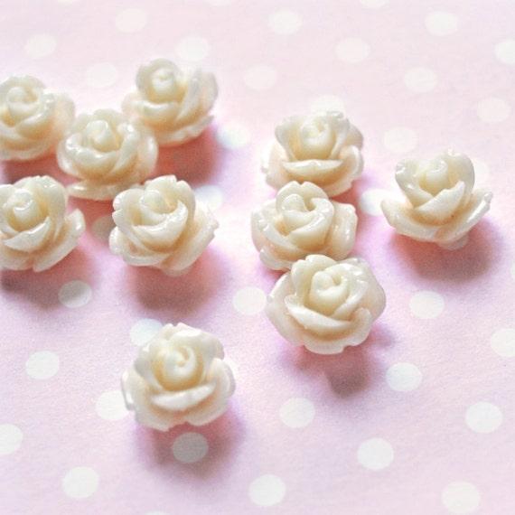 Rose beads -  creamy beige 24 pcs