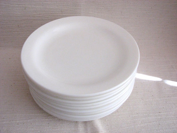 Anchor Hocking Plates 10 White Milk Glass by fairlanevintage