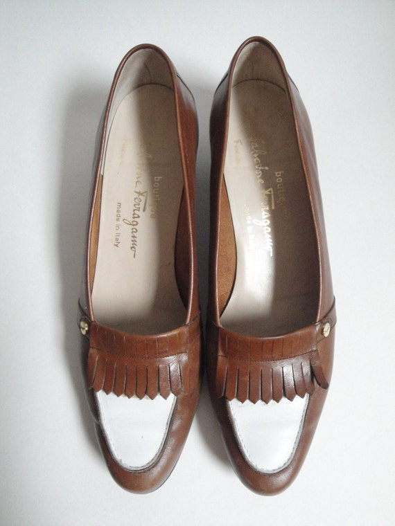 Vintage Salvatore Ferragamo Pumps Brown and White Leather size 8.5