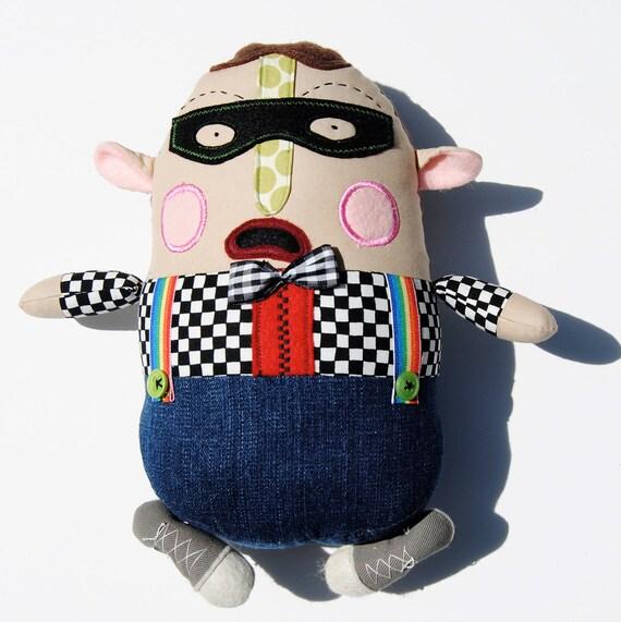 Larry, a Masked Bandit