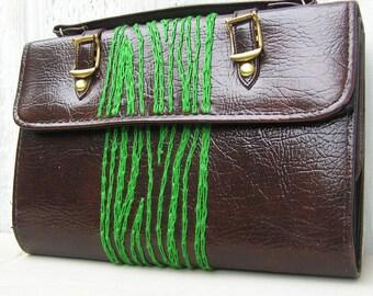 green woodgrain wallet