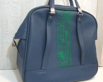 green wood grain carry on