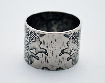 Etched silver Magpie Ring - oxidised