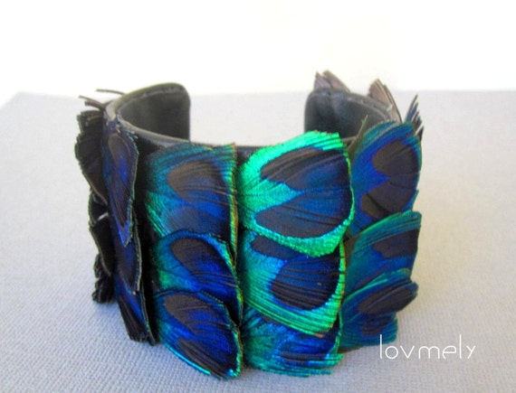 PLUMA- peacock feather cuff