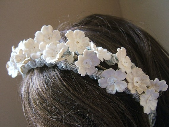 Vintage Head Band Hair Band Hair Piece Head Piece. Off White Flowers. Bridal Band.