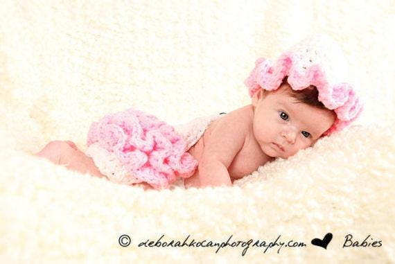 Frilly Ruffles Critter Cape - Newborn Photography Prop