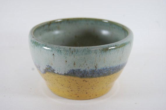 Beach Cottage Pottery Bowl - Goldenron And Smoky Mountain Mist Serving Ic Cream - Trinkets - Candle Holder