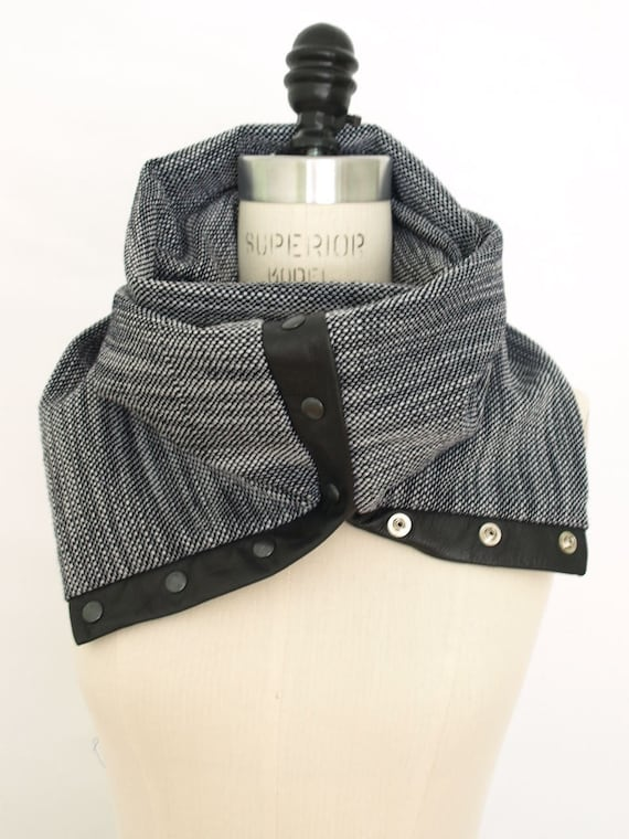 Spring 2012 Navy  and white  circular infinity scarf