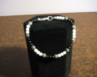 Mother of Pearl, Black Onyx, Snow Quartz Bracelet