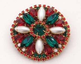 Christmas Brooch with Vintage Rhinestones and Pearls. Perfect for the holidays