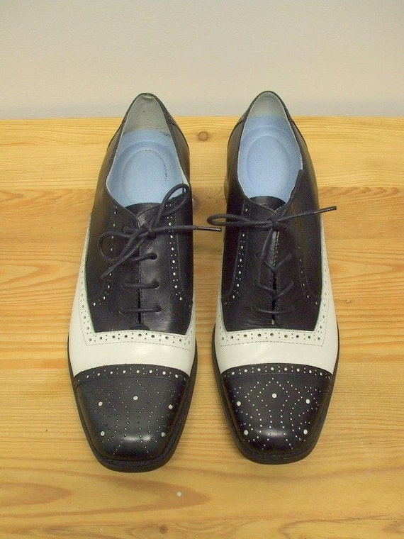 black and white leather saddle shoe wingtip brogues size 7