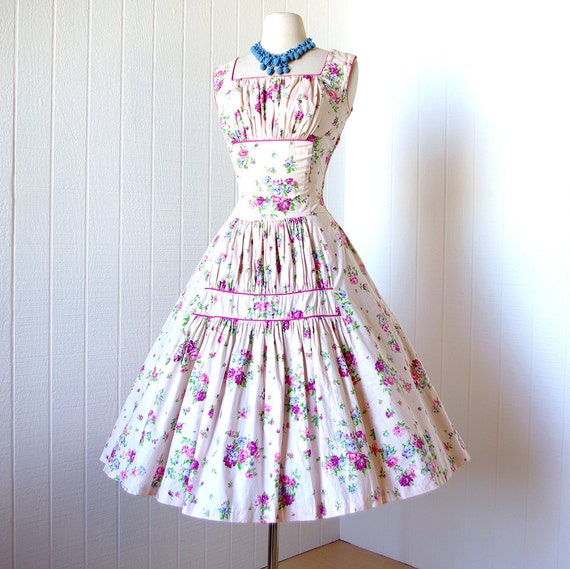 vintage 1950's dress ...pretty LILAC FLORAL cotton shirred shelf-bust full skirt pin-up party dress