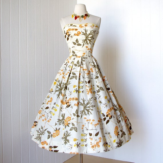 vintage 1950's dress ...most fabulous MARJORIE MONTGOMERY double bust novelty print floral full skirt cotton pin-up party dress