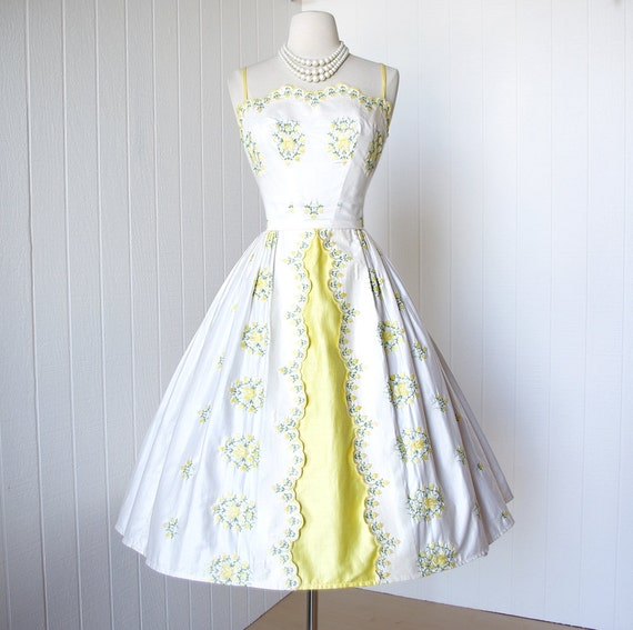 vintage 1950's dress ...pretty MINX MODES polished cotton with floral embroidery scalloped bodice full skirt pin-up summer cocktail dress
