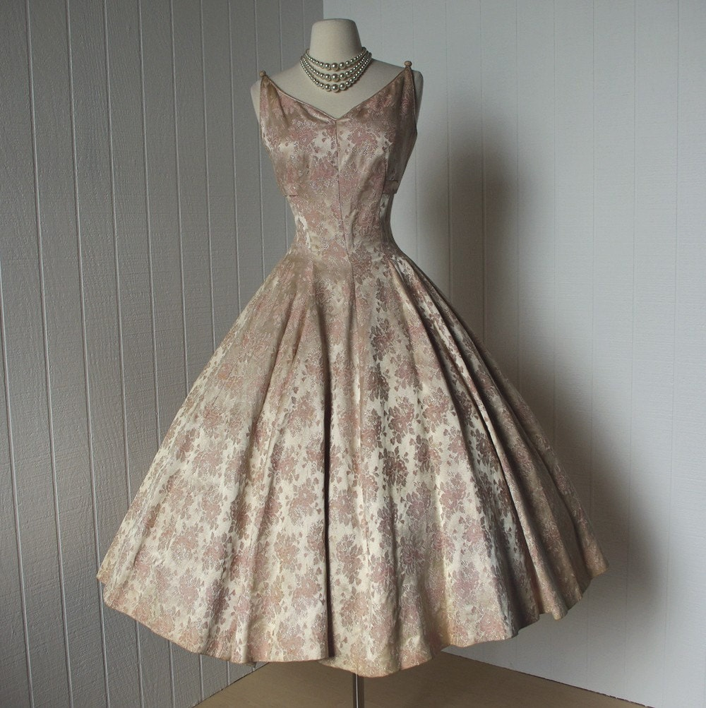vintage 1950s dress ...designer SUZY PERETTE dior inspired