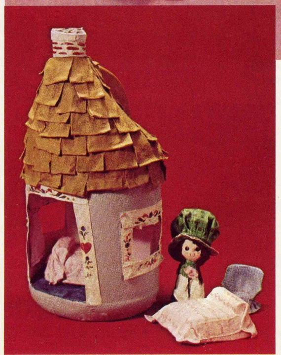 Wonderful Vintage 1974 Dip 'N Drape Doll Making Book with Sweet Mini Bonnet Girl Dolls and Dollhouse