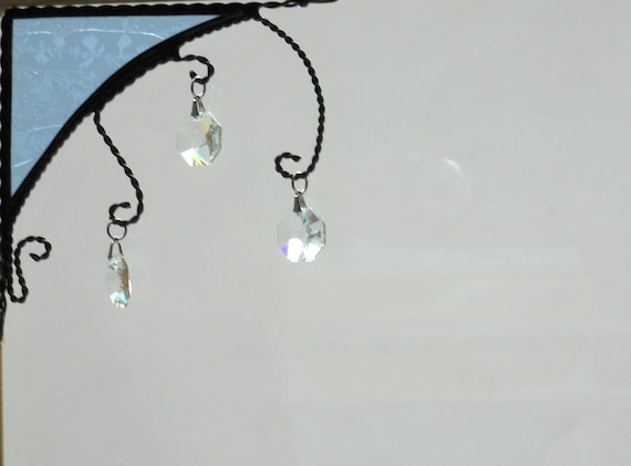 crystal / stined glass window corner with 3 crystals / light blue GC / top left / gift