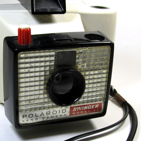 Vintage Polaroid Swinger Camera Model 20