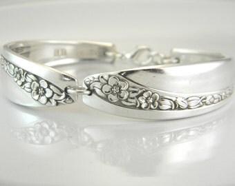 Spoon Bracelet, FREE ENGRAVING, Spoon Jewelry, Silverware Bracelet, Bridesmaid Bracelet, Victorian Wedding - 1953 QUEEN Mary