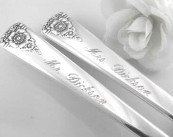 WEDDING FORKS, Mr. and Mrs. Wedding Forks, Wedding Cake Forks, Vintage Wedding, Bride and Groom Silverware, PERSONALIZED, Custom Engraved