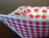 Strawberries and Checks Oilcloth Picnic Bowl by sewhappyJane