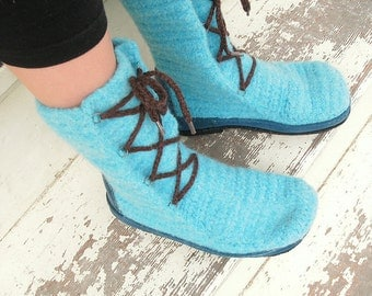 Crochet PATTERN: Crocheted felted boots -designed for outdoors- pdf
