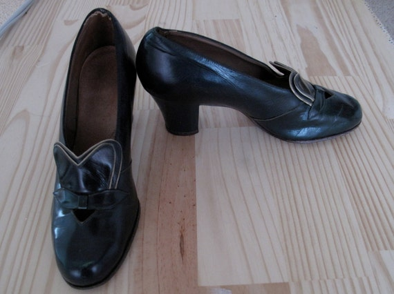 1940s Shoes - Forest Green - Hearts