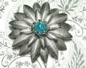 Vintage Flower Brooch (Sale Was 8.00)