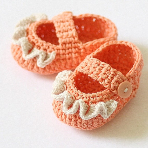Instant download - Crochet PATTERN for baby booties (pdf file) - Ruffle Mary Janes