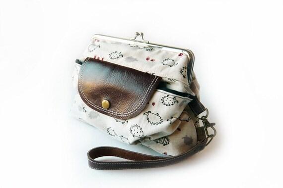pocket frame purse hedgehog