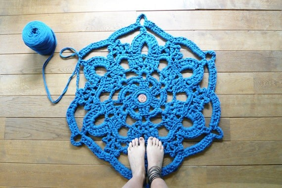 doily bath rug blue
