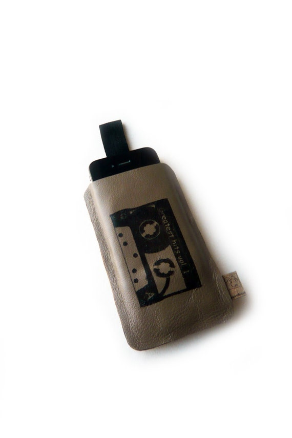 Iphone 4 sleeve taupe leather screenprint cassette tape case
