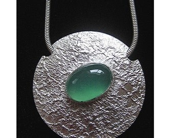 Reticulated Silver Pendant with Green Onyx Cabachon