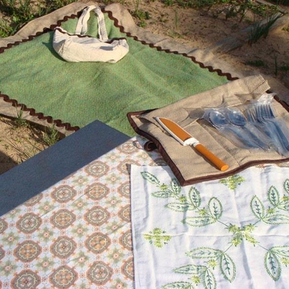 Picnic Set For Four New Leaf Green Blanket Flatware Roll-up Embroidered Mat Vintage Tablecloth OOAK