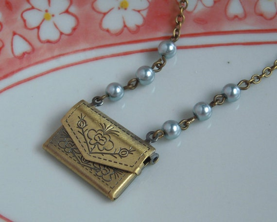 Antiqued Brass Purse Locket Silver Pearl Choker Necklace