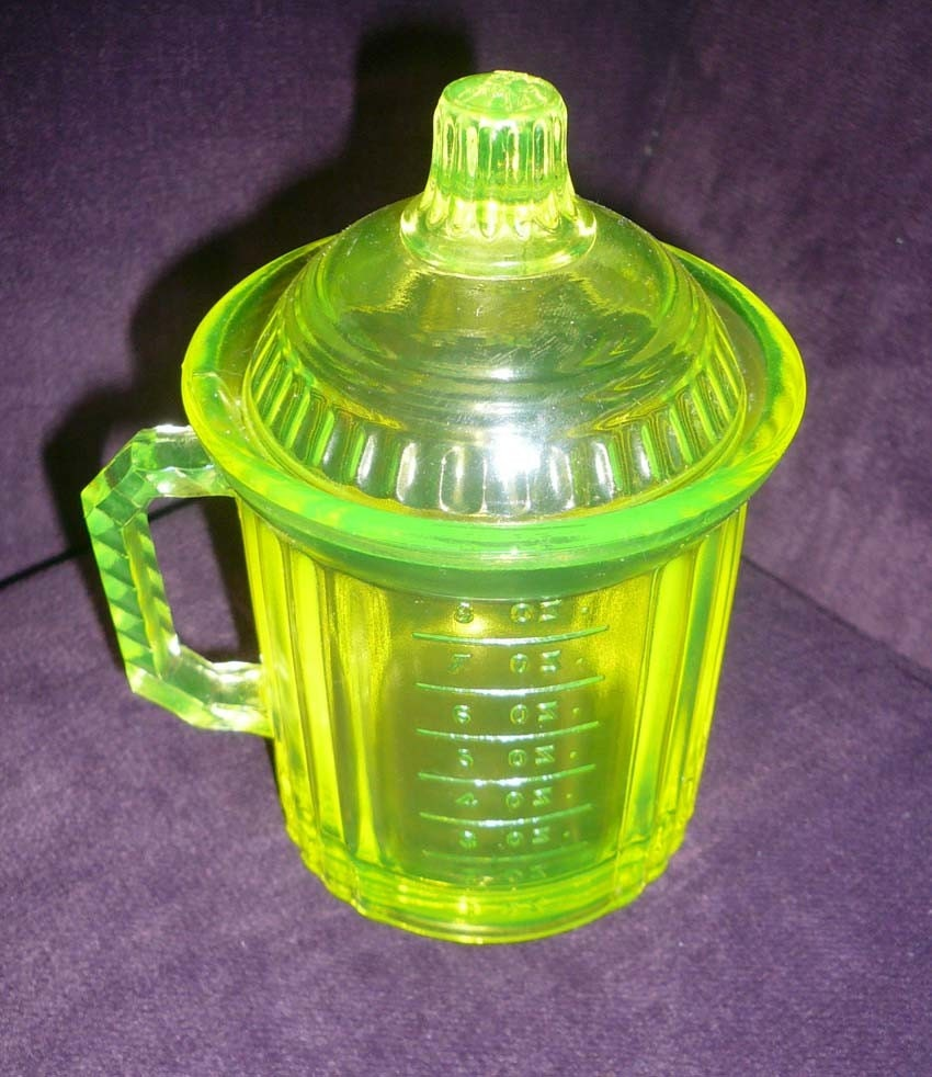 Vintage Vaseline Uranium Glass Measuring Cup by ...