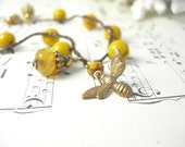 Lemon custard crocheted beaded bracelet vintage German mustard glass bumble bee charm