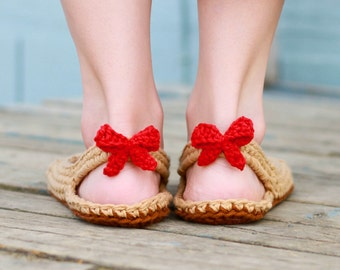 Crochet Slipper Pattern - Slingbacks (Woman sizes 3-12)