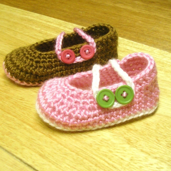 Instant Download - Crochet Pattern - Button Booties (Newborn to 18 mo.)