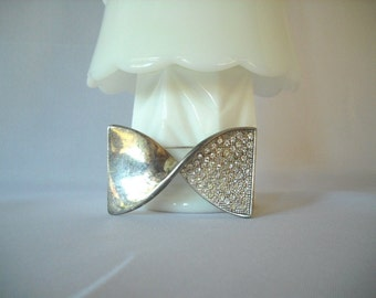 Silver Rhinestone Pin Vintage Brooch Vintage Pin Bow Brooch Sparkly Jewelry