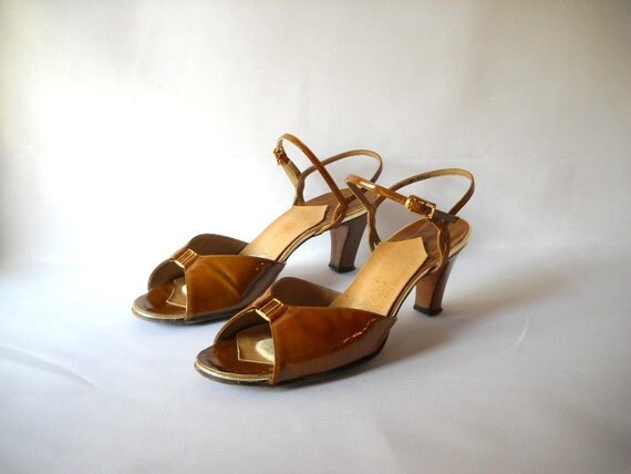 Vintage Shoes Patent  Leather Sandals Size 9  70s Shoes Heels Mustard Yellow