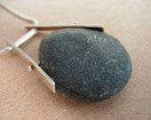 tubular swing beach stone necklace